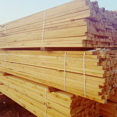 Ułożone deski drewniane